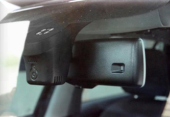 установленный штатный видеорегистратор для автомобиля